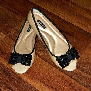 NWOB Alex Marie Peep Toe Flats
